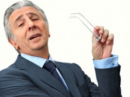 Sneering-boss-crossing-arms-Shutterstock-800x430